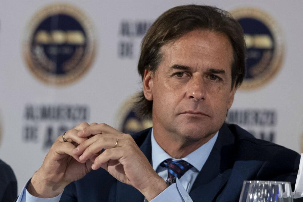 Uruguay no confinará pese a rebrote de covid