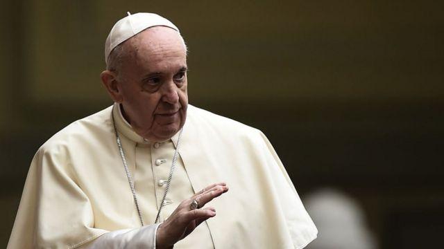 El Vaticano aclaró que no bendice las uniones de personas del mismo sexo