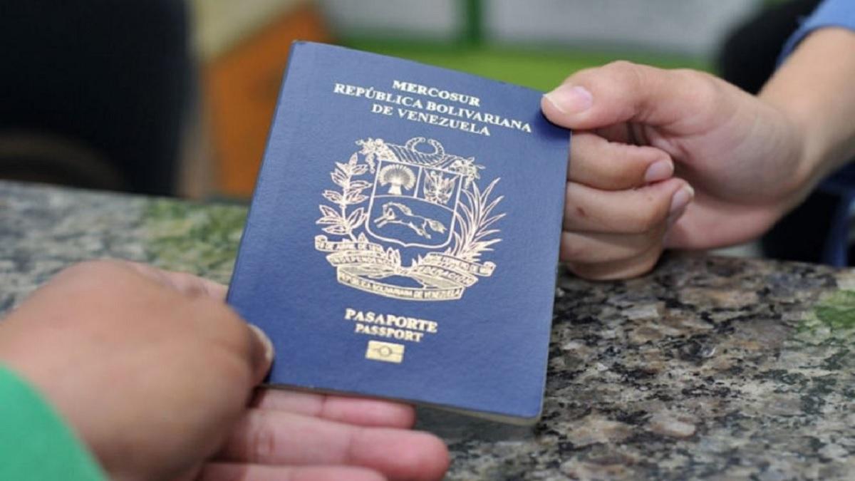 """Saime: Quienes tengan pasaportes con prórroga próximos a vencerse """"deben solicitar una nueva libreta"""""""
