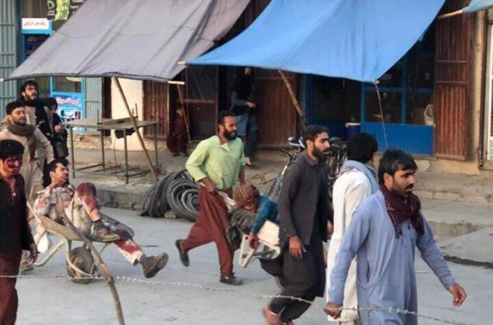 """Explosión en Kabul """"parece"""" un atentado suicida, según funcionarios estadounidenses"""