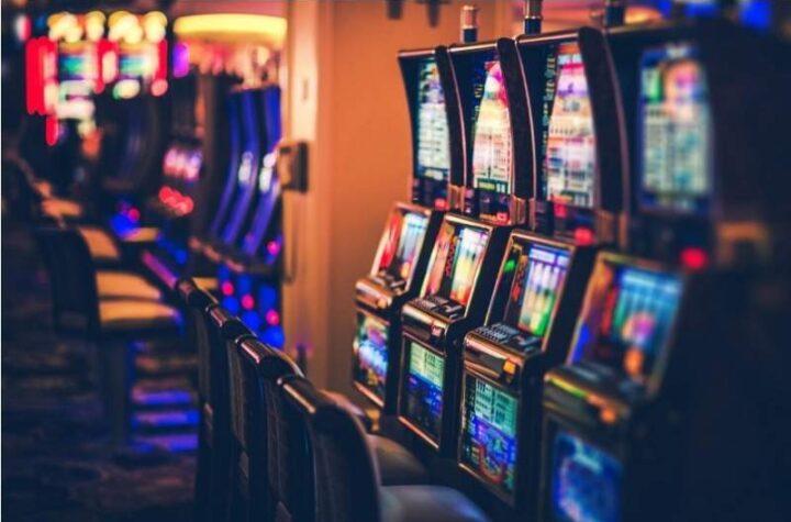 Gobierno habría autorizado reabrir 30 casinos, después de que Chávez ordenó cerrarlos