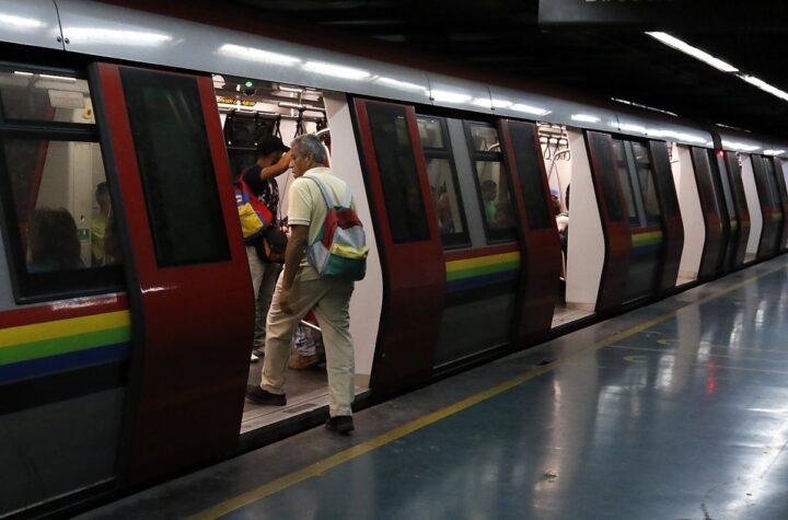 ¿Pedirán tarjeta de vacunación para ingresar al sistema Metro?