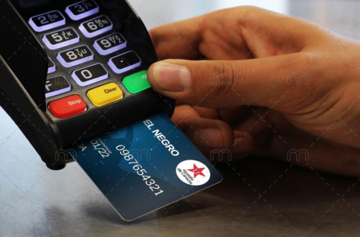 Contratan a Custom Plastic Card en EEUU para imprimir tarjeta El Negro