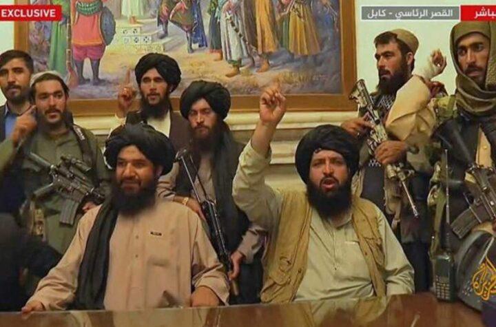 """Talibanes paquistaníes exigen a periodistas no llamarlos """"terroristas"""" o """"extremistas"""""""