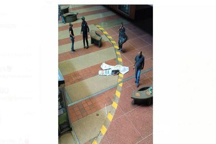 Mujer se lanza del piso 7 del centro comercial El Valle en Caracas